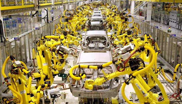 Industrial-Robot-Hyundai-Heavy-installed-at-Kia-Motors-Slovakian-plant1
