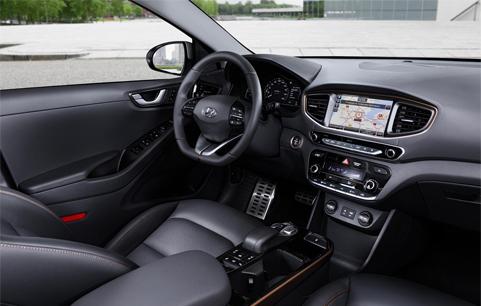 Interior Hyundai Ioniq ortasa dentro